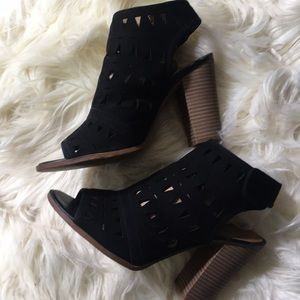 14th & Union Laser cut black booties